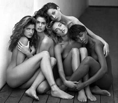 Naked females sexting pics