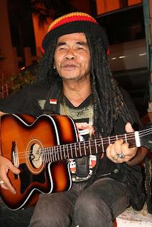 Foto mbah surip | Penyanyi Indonesia,musisi,artis