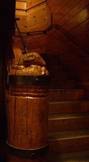 timberline lodge carved animal wooden stairway post