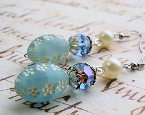 Vintage lucite flower bead earrings