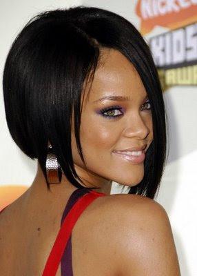 http://4.bp.blogspot.com/_NJgZn0NJcDQ/TErY5oJd6UI/AAAAAAAAAKE/pA_e8DAnqUI/s1600/female-short-hairstyles-14.jpg