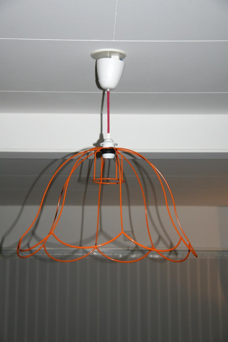 Gör din egen lampa! Lite fler nykomlingar under begagnade lampstommar!