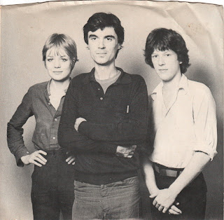 Talking Heads - Love Goes To A Building On Fire