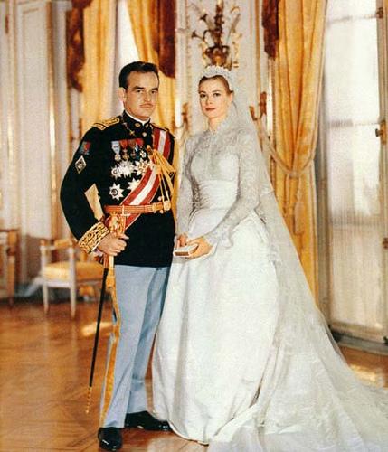 princess diana wedding dress images. princess diana wedding dress