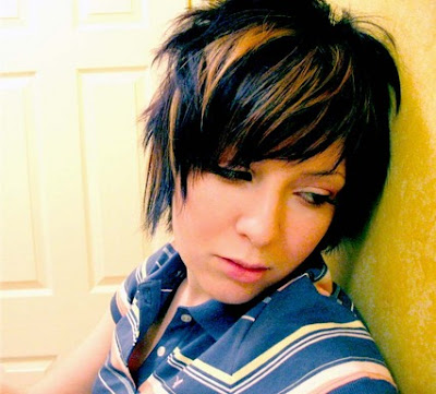 short Emo Hairstyles with a short piece makes a sexy girl and sweet plus