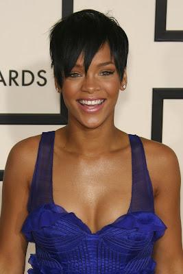 http://4.bp.blogspot.com/_NO2UOMMYKZ0/SRvj8muQEgI/AAAAAAAACnc/pjsackB3ZcQ/s400/Rihanna-Short-Pixie-Cut.jpg
