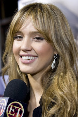 Jessica Alba Romance Hairstyles Pictures, Long Hairstyle 2013, Hairstyle 2013, New Long Hairstyle 2013, Celebrity Long Romance Hairstyles 2016