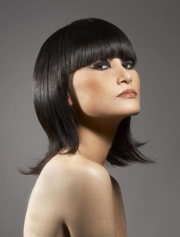 Medium Short Hairstyles 2009. dresses medium hairstyles