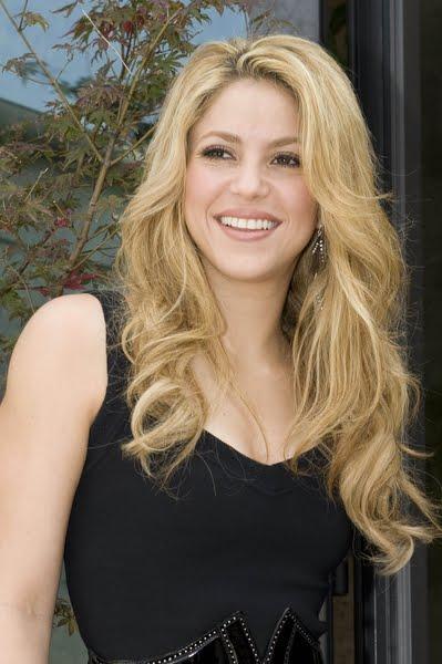 easy trendy hairstyles. Shakira Trendy Hairstyles