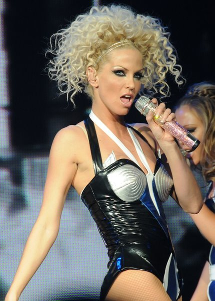 curly blonde hairstyles. Sarah Harding curly hairstyle