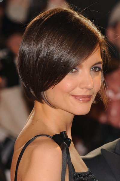 Celebrity Short Hairstyles 2009 - Katie Holmes