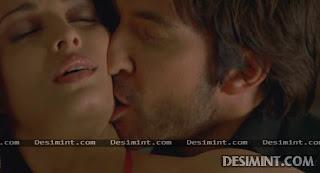 Aishwarya Rai Sexiest masala Pics from hollywood movie : Aishwarya showing her bra, blouse, navel photos