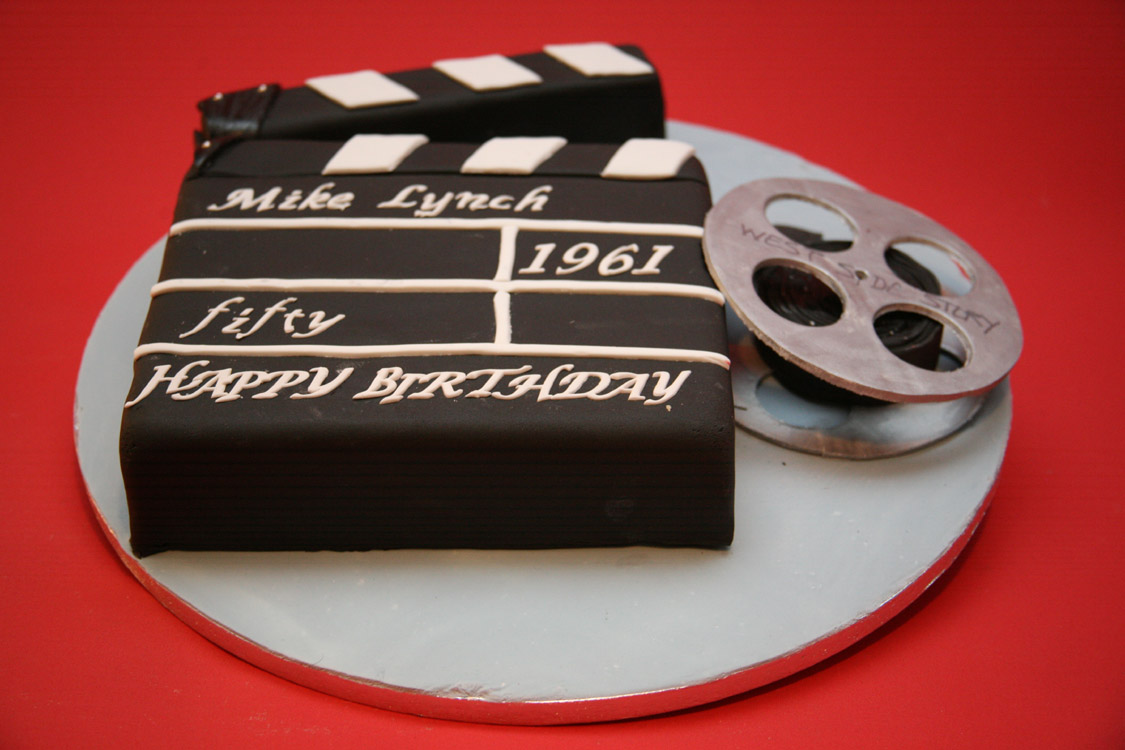 How To Make A Clapper Board Cake