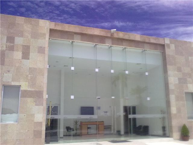 Ventanas y puertas t rmicas fachada de vidrio templado - Fachada de cristal ...