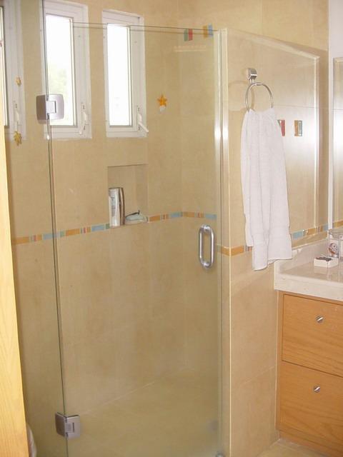 Puertas De Baño Imagenes:VENTANAS Y PUERTAS TÉRMICAS: canceles para baño
