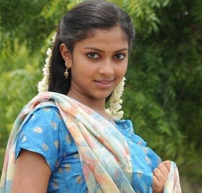 http://4.bp.blogspot.com/_NUAR21m_-HE/TNDj5l6vCdI/AAAAAAAAEDA/tmtevWSuL1o/s1600/actress-amala-stills.jpg