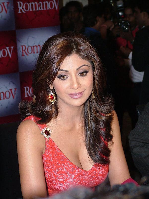 Actress Shilpa Shetty Latest Sexy Pic hot images