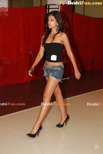 Chennai Fashion week Cleavage - Sexy Girls