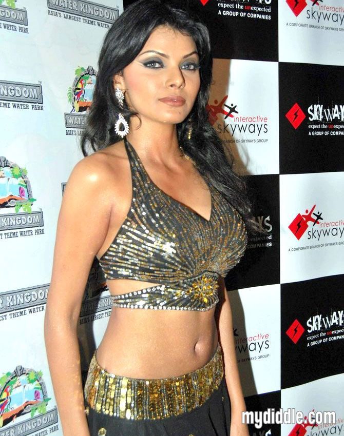 Sherlyn Chopra Hot at Essel world
