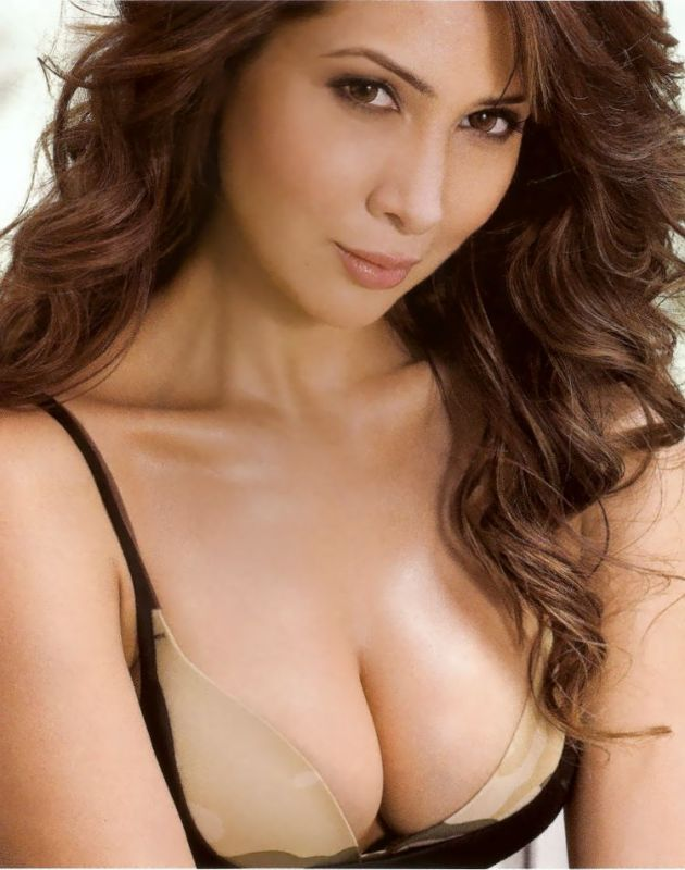 Kim Sharma MAXIM Magazine Oct 2010 HOt Pics
