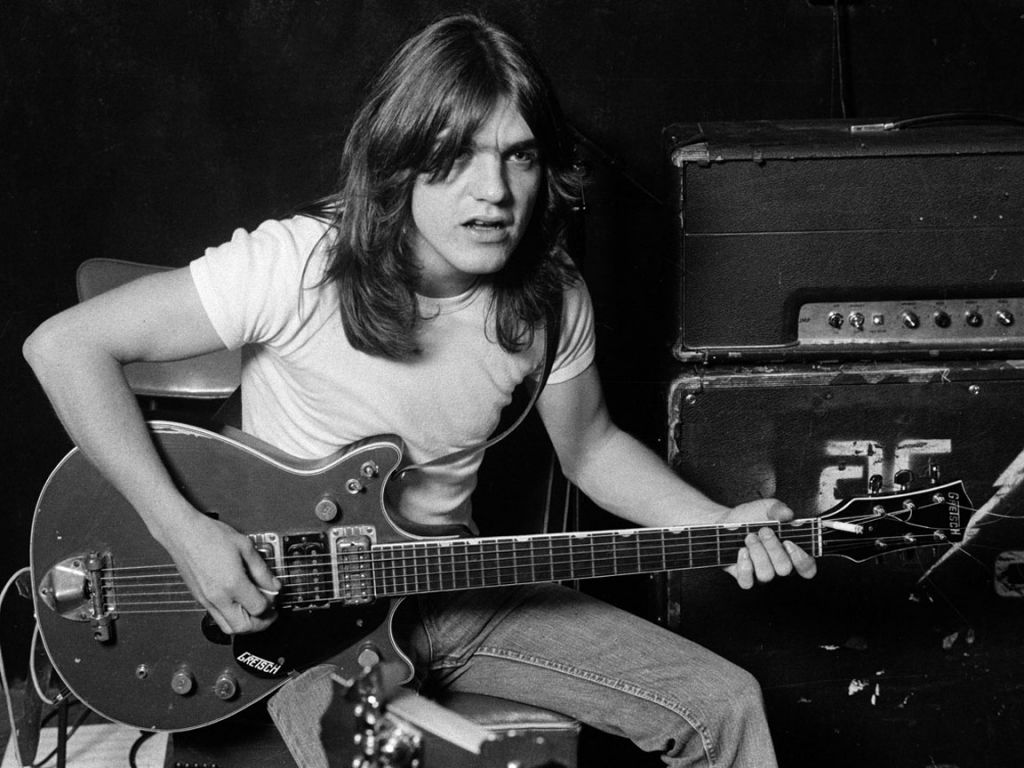 how tall is malcolm young