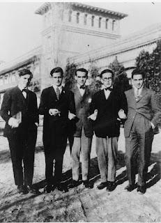 Federico García Lorca con otros compañeros en la Residencia de Estudiantes, en la década de 1930 [Foto: Consejería de Cultura, Junta de Andalucía]