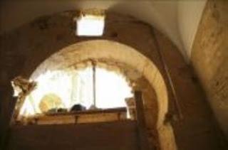 Nuevo arco califal descubierto en La Peregrina de Sahagún (León) [Foto: EFE]