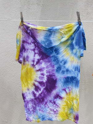 tie-dye shirt @ the other chic
