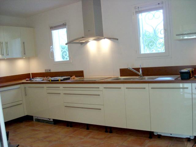 Victor Cuisine Bain D Coration Cuisine Laqu E Blanche Et Installation Des Lectrom Nagers