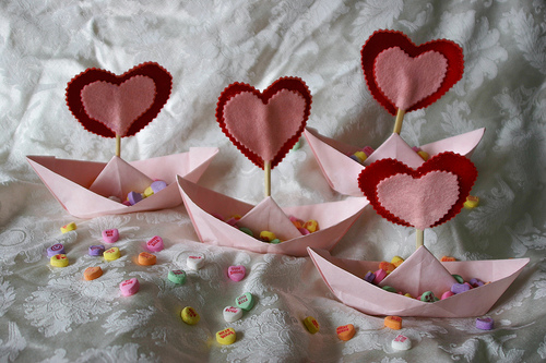 valentines table decorations. holiday decorations are at
