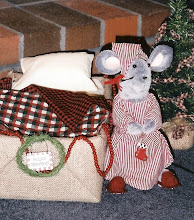 Click on the picture to purchase my Primitive Mouse E. Christmas E-Pattern