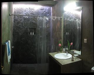 toilet / bath room victoria golf course chalets