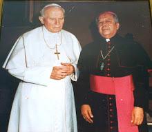 JUAN PABLO II Y MONSEÑOR BELLO RUIZ