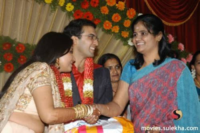 Singer Manjari Wedding Pictures | CelebritiesCouples
