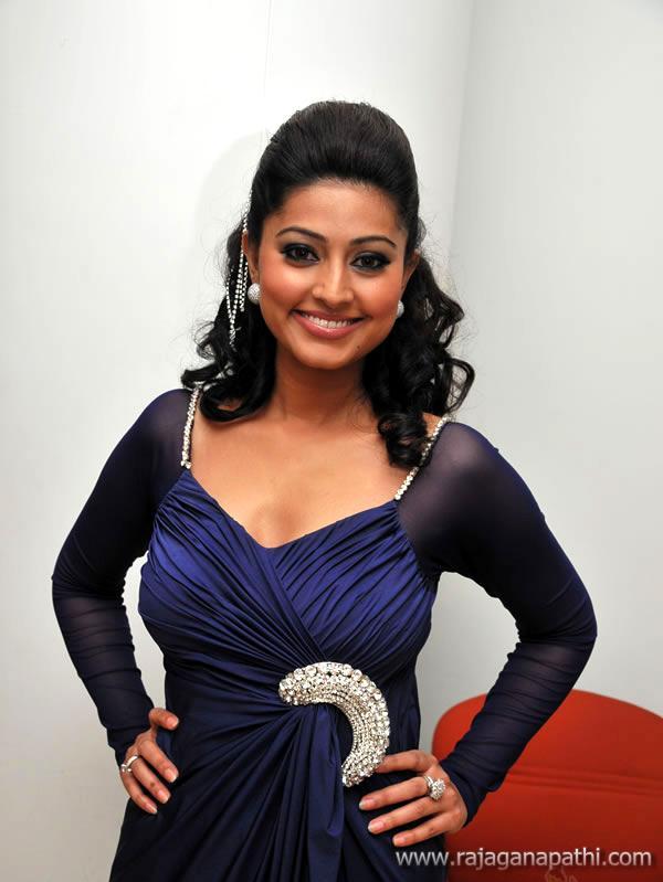 Tamil Actress Sneha Without Dress