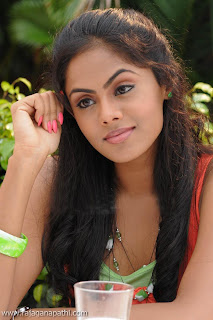 KARTHIKA NEW PHOTOS, ACTRESS RADHA DAUGHTER KARTHIKA, KARTHIKA LATEST PHOTOS, AMAZING KARTHIKA STILLS_02.jpg