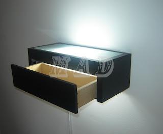 Mesa de luz flotante mad madera artesan as y dise o for Mesa de luz flotante