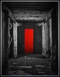 Pintu-pintu tersebut tidak boleh terbuka kecuali jika seseorang ...