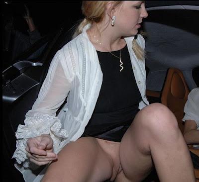 britney spears sem calcinha saindo do carro e mostrando a buceta