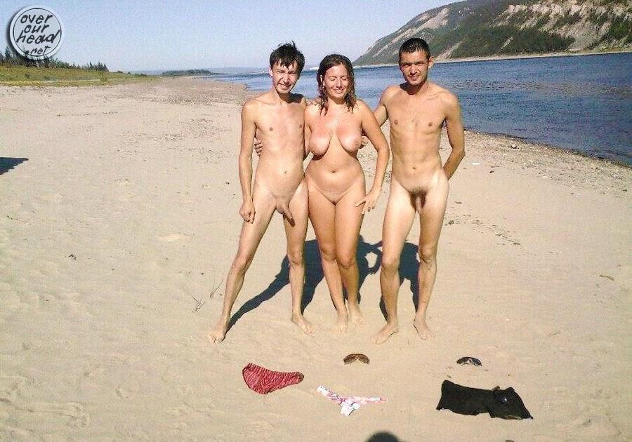 на нудистском пляже стояк фото