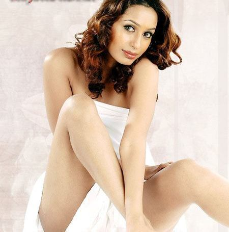 heroines wallpapers. Kashmira Shah Wallpapers
