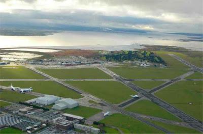 Dàithaì C: Shannon Airport Ireland.