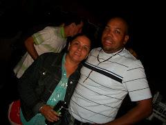 Franklin Seymour y esposa frente al Coral