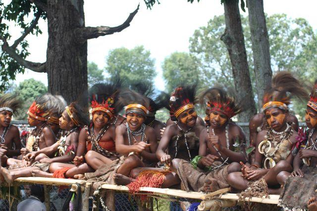 http://4.bp.blogspot.com/_NftlVPmu2gw/TJ-9i1JyHOI/AAAAAAAAUIU/3KqY_v6XZvM/s1600/Papua+New+Guinea_062.jpg