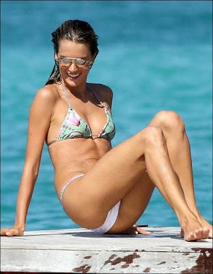Alessandra Ambrosio bikini Photo shoot