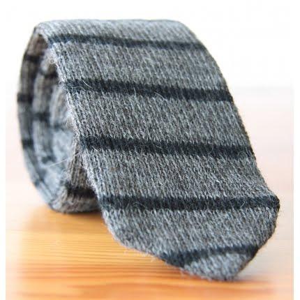 Knit Necktie Pattern : EMM (pronounced EdoubleM): Alexander Olch Hand Knit Alpaca Tie