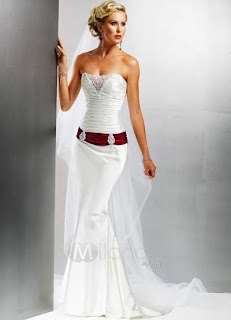 Wedding Dress Combination With a Red Belt
