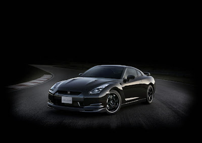 Nice ... Linear Power Delivery From Its Twin Turbo V6 And Ultra Sophisticated  Running Gear That Makes The Driver Feel He Or She Can Do No Wrong, The Nissan  GT R ...