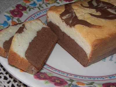 Mexican Chocolate Lore and More: Black and White Pound Cake