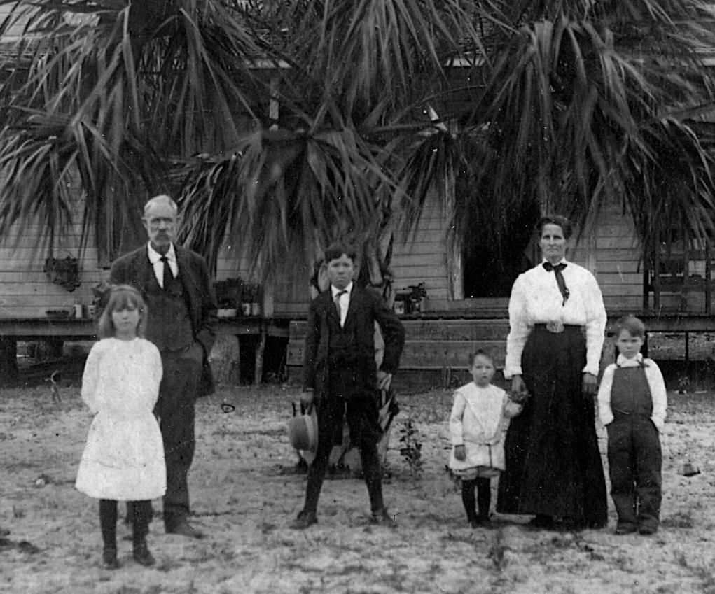 Family Home in Keuka, Florida; l to r: Rose, James Alonzo,Richard,William,Arminda and Alonzo Lester